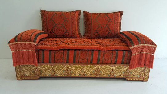 Taza golden sofa